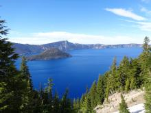 Picture of Crater Lake Oregon